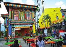 The city s food culture remains a key selling point, with Chinatown and Little India offering street options as well as a wide range of trendy restaurants and bars. Kampee Patisena/123RF.