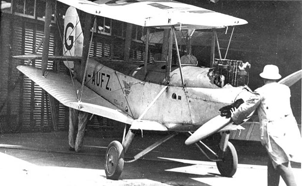 II it had weaker landing gear and subsequently in1931 was converted to a Mk IV by strengthening the landing gear and wing root areas.