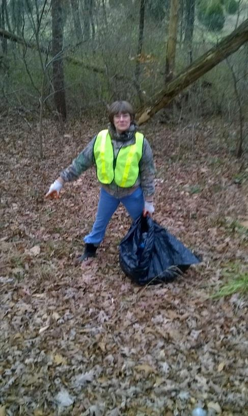 Road Crew at Brown County Fall Clean-up by Nancy Brunnemer Once again the ITRA was busy cleaning trash during the Fall Cleanup on State Road 135.