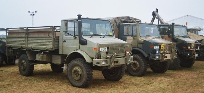 71/81 Airlifting Army Vehicles - Unimog 4x4 A range of Unimog 1700L/38 configurations are in use.