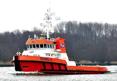 1+Hul MACH-TUG Unrestricted Navigation, AUT- UMS Ice Class 1A Super. Measuring 34.30m in length overall, with a breadth moulded of 11.00m and depth at forecastle of 6.