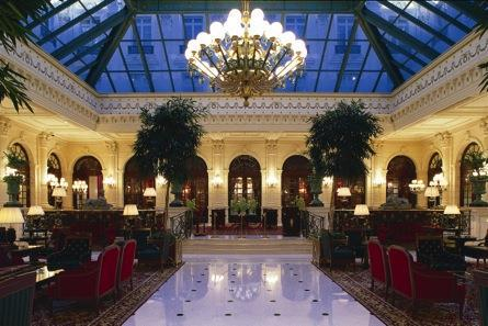 The Grand Hôtel s Atrium At the InterContinental Paris Le Grand, all roads lead to the atrium La Verrière, a superb 800m² winter garden where giant ficus trees grow and white orchids blossom.