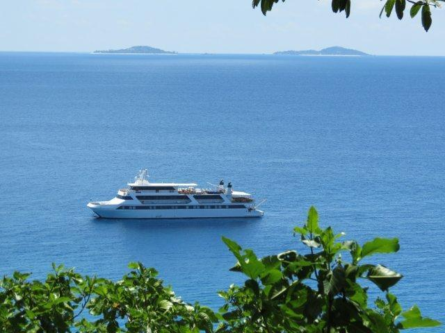 Cruises in the Garden of Eden 2016 7 night / 8 day cruises from Mahe Discover Paradise on board the Motor Yacht Pegasus Discover the Seychelles the best way: By small ship.