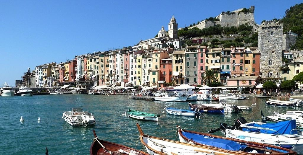 Italy - Walking in Pisa, Lucca, Cinque Terre & Portovenere 8 day walking holiday in Tuscany and Liguria with overnight stays at three charming hotels in respectively Pisa, Levanto and Portovenere.