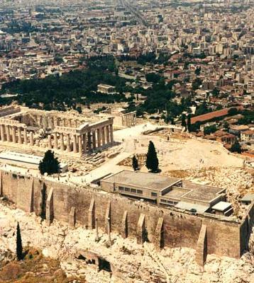 Decentralized Civilization Greeks united linguistically and culturally, but not politically.