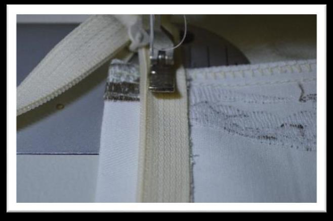 Prepare a zipper the project width plus 2 to 3 inches.