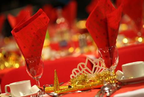 z Tue 4 December continued A Very Merry Lunch ~ River Thames Christmas lunch cruise Arrive at Westminster Pier where you will be welcomed with a glass of sparkling wine before you embark on