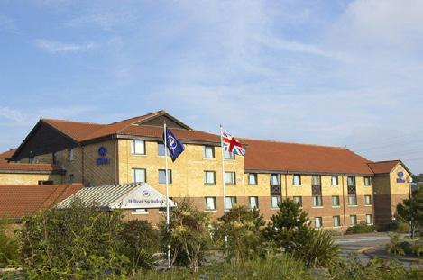 Warner s Lakeside Coastal Village Hayling Island, Hampshire Fri 22nd - Mon 25th June With a bright