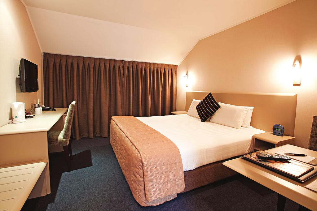 Accommodation Richmond Hotel Room HOTEL AUCKLAND For a comfortable, relaxing sleep Richmond Hotel offers 45 rooms in a mix of Economy and Executive layouts, both comprising of 1 x Super King or 2 x