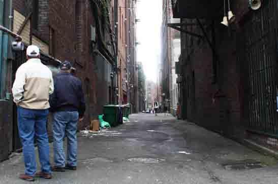 This is where the alleys of Seattle come in. Alleys have long been overlooked in Seattle, igred by most residents and visitors, and often viewed as just the backsides of buildings.