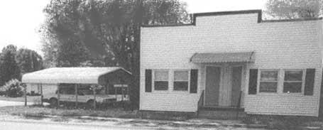 In 1938 the family opened a second store in Wilsonville, which was operated by Martin and Mario. The Pomatto s also had a daughter Mary who married Andy Rehlek.