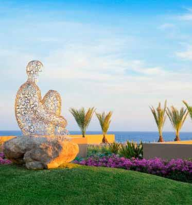 It is the newest addition to the Cabo resorts community and was designed to complement the beauty of the sea and the natural surroundings, imparting an authentic and luxurious experience for its
