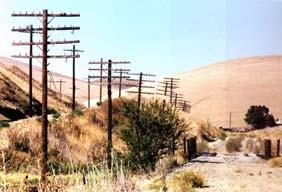 THE TRAVELER Lincoln Highway California Tours Tour 1: 1913 27 Central Valley Route LEON SCHEGG Lincoln Highway at Altamont Pass CHRIS PLUMMER Western Terminus marker in San Francisco On this tour you