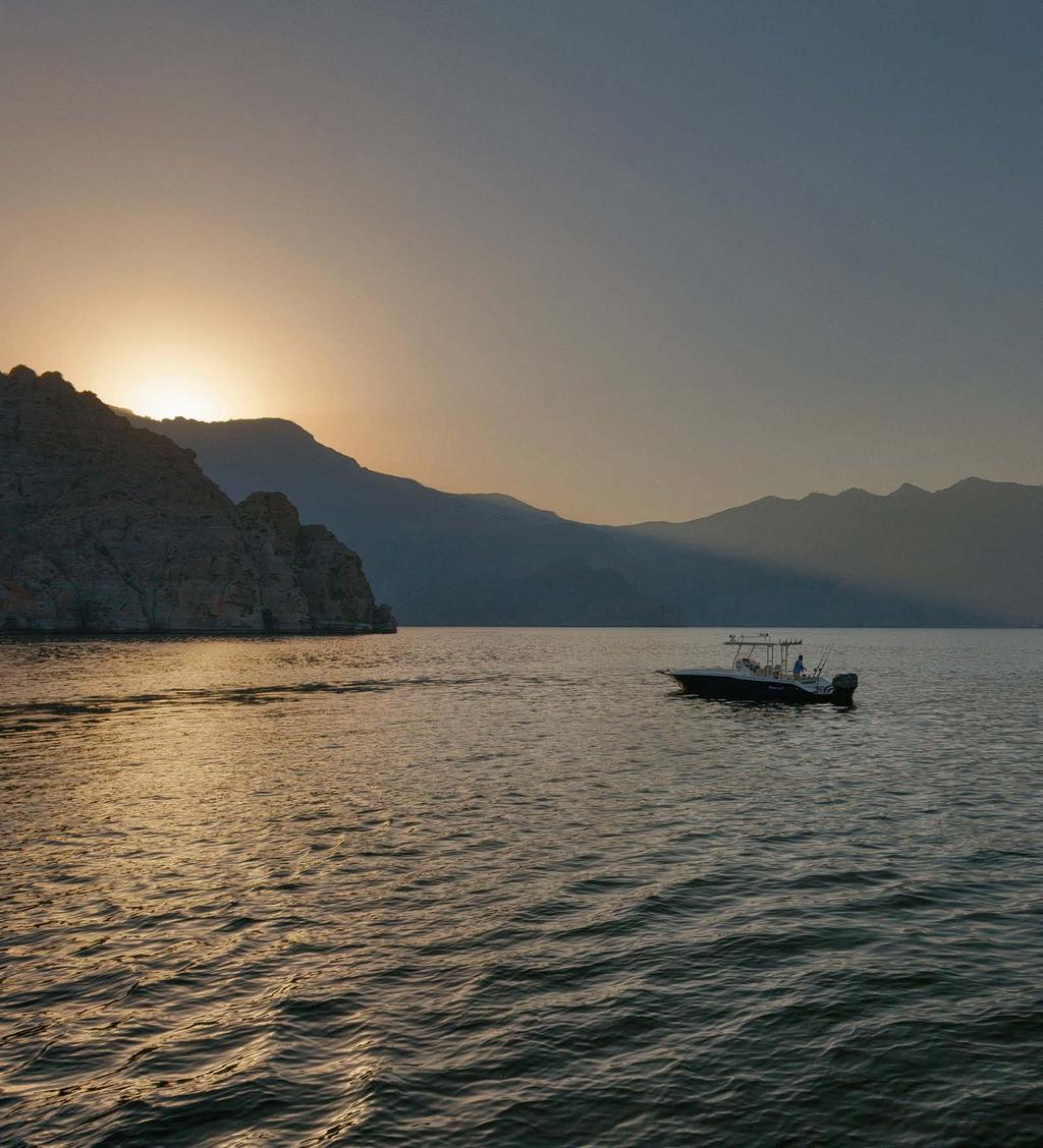 ITINERARY DAY 1 Your odyssey begins as the early dew greets the morning and after a refreshing breakfast at the Spice Market. From Zighy Marina, Dhahab will cruise to Haffa and Sanat Bays.