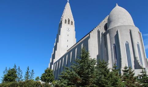 Woche Reykjavík njoy the best of Reykjavik and its surrounding area in the week tour to the Northernmost capital of the world including, the Golden circle. This tour is offered in German only.