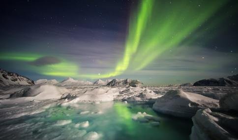 Northern Lights Hunt & Glacial Lagoon Snæland Travel offers two different 5-day tours in Iceland s winter wonderland: Northern Lights Hunt and Winter Wellness & Northern Lights.