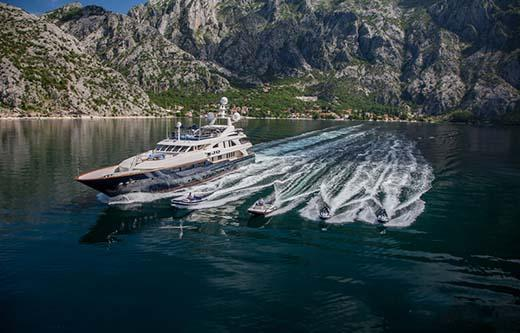 Guests: 12 Cabins: 6 ( 4 x Double + 2 x Twin cabins ) Crew: 12 ( sleep in separate crew quarters WiFi Jacuzzi on Sundeck Swimming platform Tender and Sea Toys: 1 x Williams Jet Tender 565 with 180