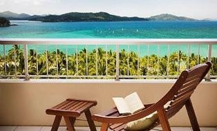 Hamilton Island Hamilton Island has long been one of the Whitsunday s most popular resort islands, with their own airport, allowing visitors from many major cities and