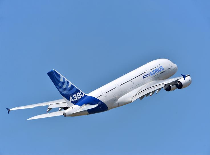 A380 Unique passenger experience. The solution to airports congestion and traffic growth.