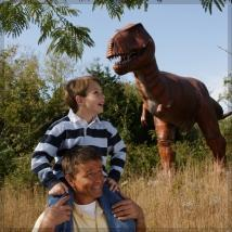 Dinosaur World Those traveling with toddlers and tikes, will want to start their day off at Dinosaur World in Cave City which is home to over 150 life size dinosaurs in an outdoor museum setting.