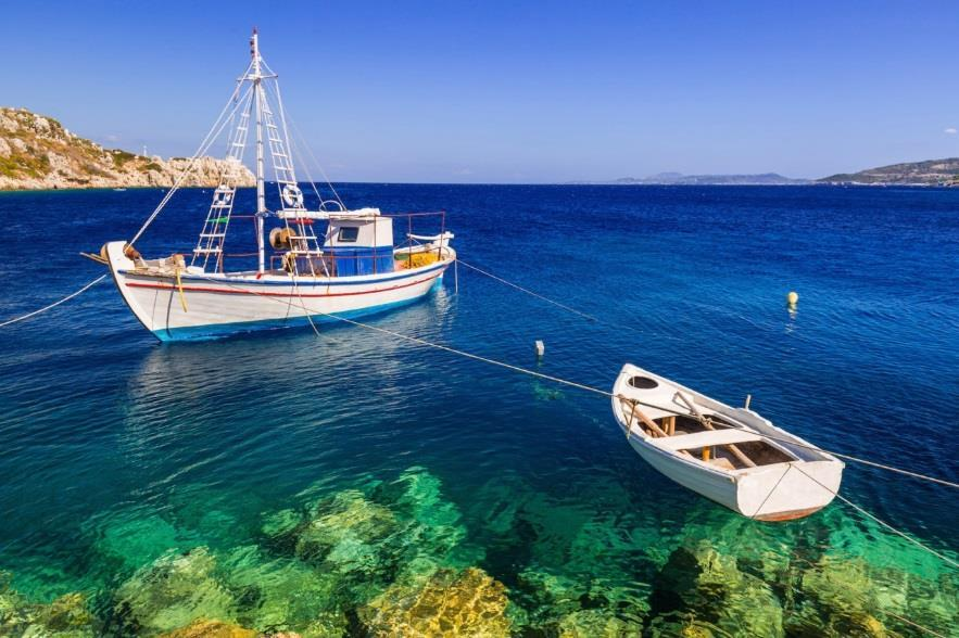 Tuesday: After a leisurely morning in the Villa, guests will have the option of taking a sailboat tour around Sifnos
