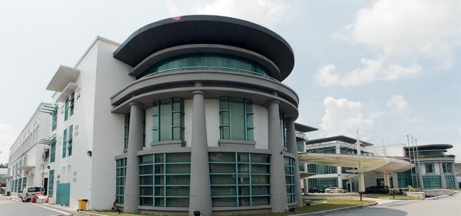 It is located at the northern-eastern junction of Yishun Industrial Park A which gives easy access to Yishun Avenue 2 or Yishun Avenue 7 and approximately 20.0 km away from the City Centre.