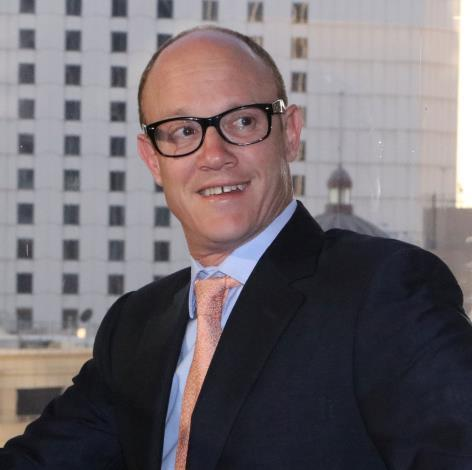 5 Michael Goldman Head of Fund Michael has 17 years experience in the real estate industry across acquisitions, development, investment banking and funds management.