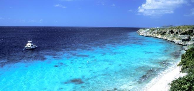 December 26 th - 27 th : Bonaire We welcome you aboard M/Y STARFIRE in Bonaire, a Dutch outpost in the Caribbean.