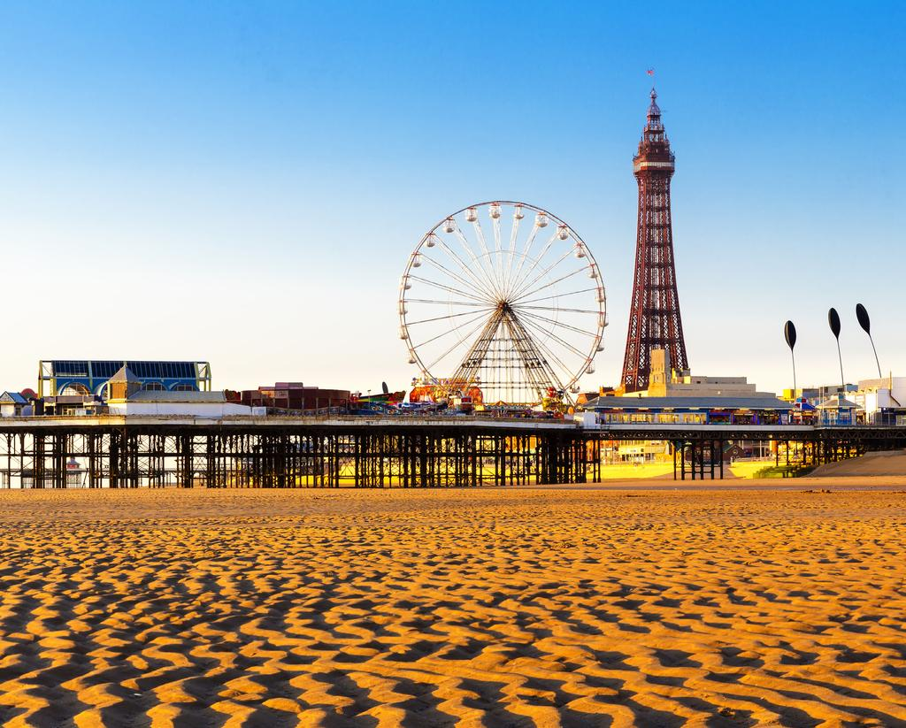 Blackpool Blackpool showed the largest spike in RevPAR on weekends.