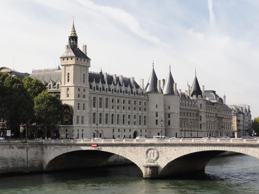 Conciergerie During the
