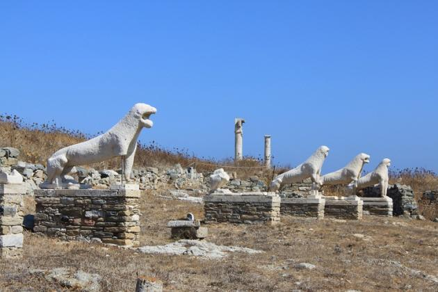 Tuesday, September 26: Mykonos Delos Excursion (B) Transfer to Mykonos port to join a half-day excursion to the