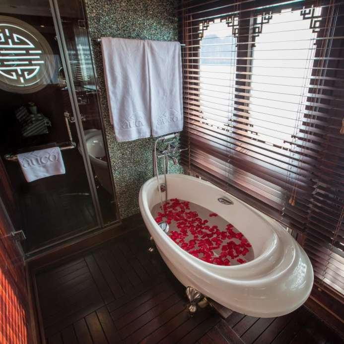luxurious suite, measuring a palatial 40