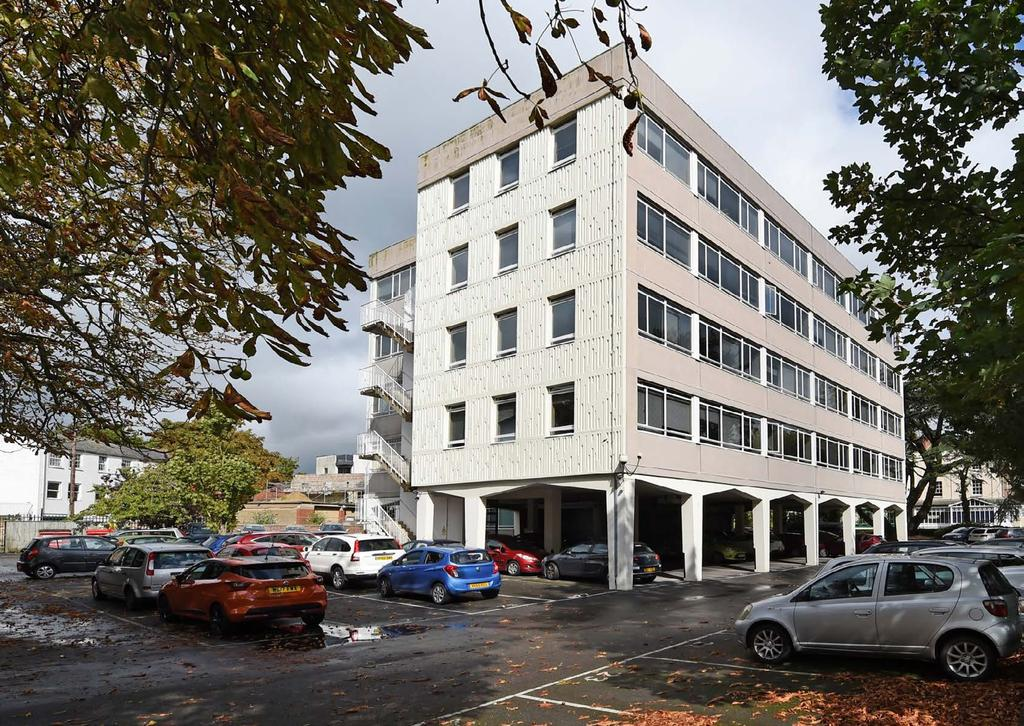 INVESTMENT SUMMARY An extensive office building in central providing 38,427 sq ft (3,569.98 sq m) of Office (B) accommodation arranged over five floors. Freehold.