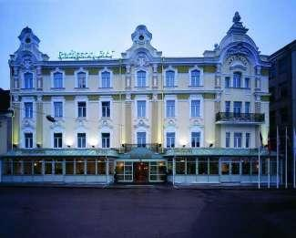 OPTION 2: Staying at 4/5* Hotels 2 nights in Vilnius Radisson BLU Royal Astorija