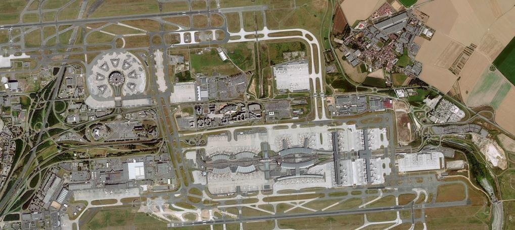 Spotlight on the proposed Terminal 4 SUFFICIENT LAND RESERVES Potential T4 A Terminal 4 would complement the Paris- CDG