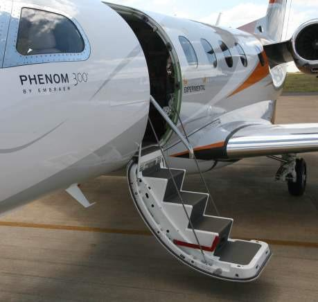 THE PHENOM 300 ADVANTAGE It is never too much to remind that the Phenom 300 also delivers: Designed for High Utilization: 35,000 hours.