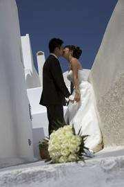 Dream come true Weddings in Santorini..because you can meet there all treasures of the world!