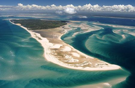 In November 2001 the council of ministers of Mozambique declared all 5 islands the Bazaruto archipelago national park (BANP).