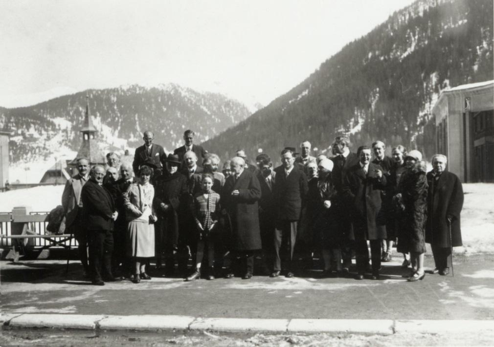 The second Davos University course, March 1928, with keynote speaker Albert Einstein Some History of Science City Davos The Fridericianum, a kind of grammar school for tuberculosis sufferers was