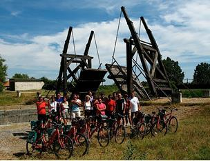 Day 2 (Sun) Avignon round tour You will cross the Rhone River via the island Ile de la Barthelasse and cycle in typical garrigue (scrubland) landscape between vineyards and orchards.