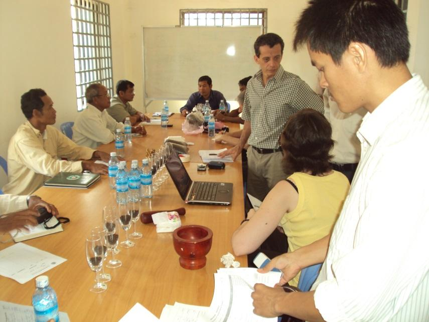 ESTABLISHMENT OF KAMPOT PEPPER GI: PROCESS Organiza-on of regular working sessions of the working group assisted by PGI project team and