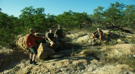 KRUGER MOUNTAIN BIKE SAFARI 3 days/2 nights Mountain Biking adventure in the Kruger National Park FRIDAY PHALABORWA We meet at the Bushveld Terrace Guesthouse (200 metres from the Phalaborwa Gate of