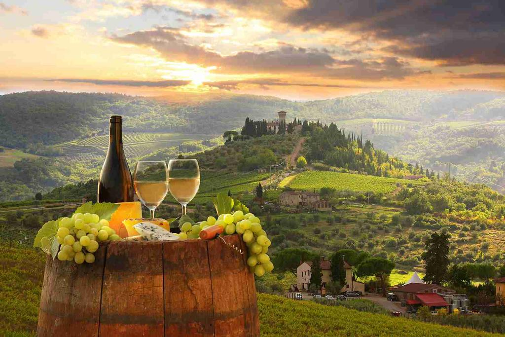 Relax with a 3-night stay in a Tuscan estate and savour the sprawling vineyards and charming medieval hill towns of the region.