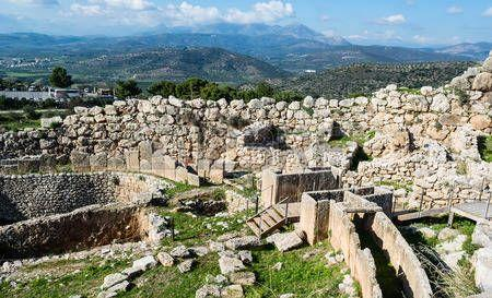 Minoan Civilization Disappears These intruders were the Mycenaeans, the first Greek-speaking people of whom we have a written record Minoan civilization slowly