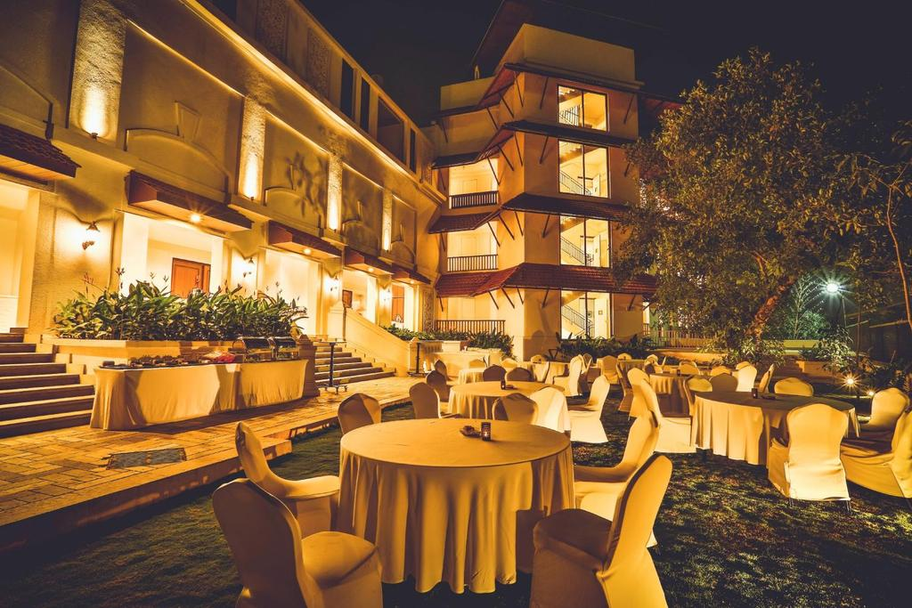 Banquet Lawns The Banquet Lawns are manicured and have multiple set up options and