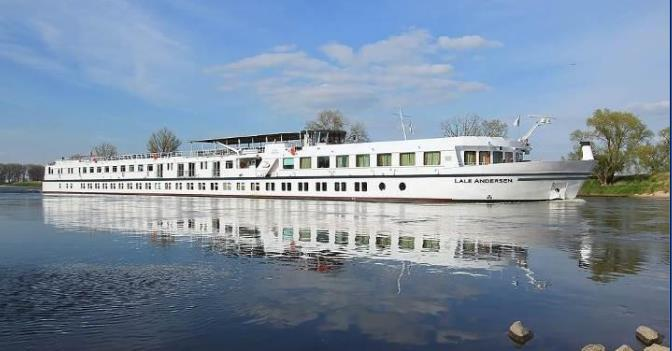 Last refurbished in 2017, the spacious river barge MS LALE ANDERSEN promises a