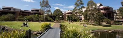 UNIVERSITY OF WOLLONGONG Northfields Avenue Wollongong NSW 2552 Australia P +61 2 4221 3555 www.uow.edu.