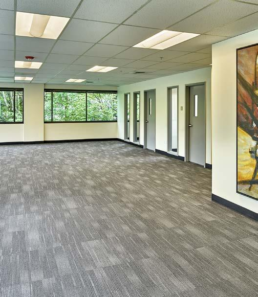 FEATURES & LOCATION Building & Area Amenities Canyon Park Business Center offers 632,591sf of flexible office,