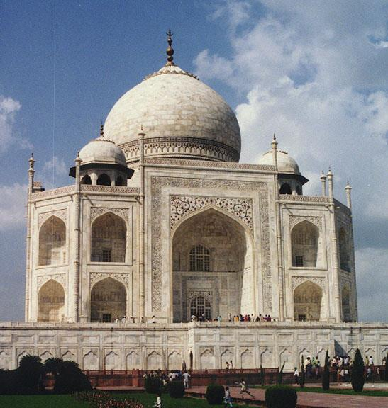 OPTIONAL EXTENSION DELHI, JAIPUR & AGRA (INC TAJ MAHAL) (5 NIGHTS : DECEMBER 9 15, 2017) The north of India is quite a contrast to the South the political capital as well palaces, forts and old