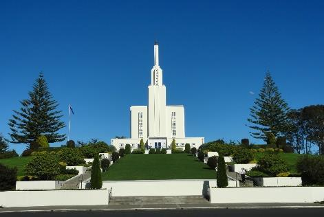 DAY 7 TUESDAY 11 th DECEMBER 2018 HAMILTON Check out of accommodation. Depart Rotorua for Hamilton, New Zealand. Arrive in Hamilton, transfer to local school/cricket club. Game 4 vs Local Opposition.